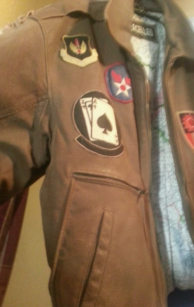Men's Brown Leather flight Jacket Bomber Large, excellent outerwear