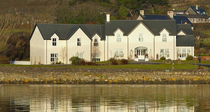 Bed and Breakfast Dingle at Castlewood House. Award winning Bed and Breakfast accommodation located in Dingle County Kerry