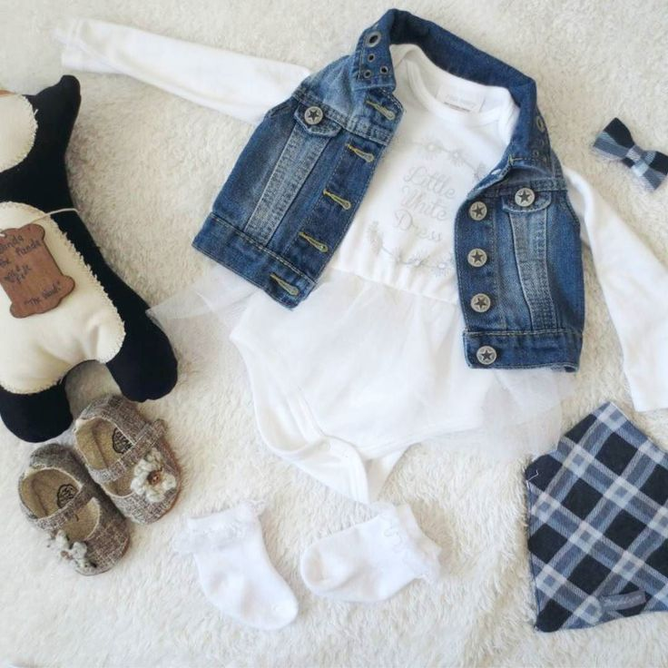 @mondevilliers89 shared this beautiful flat lay featuring our Bandana Bib on her blog here - http://ift.tt/2g99fh1  #zoeyandlogankids