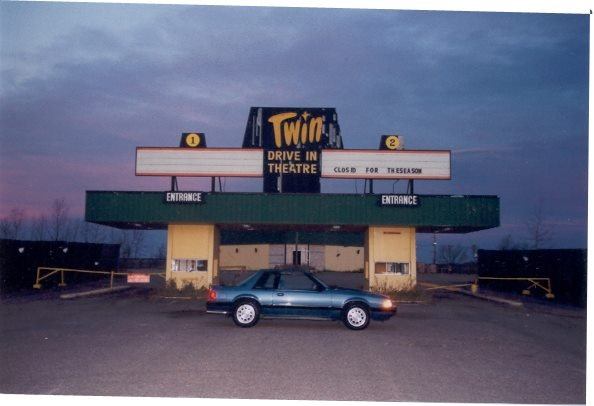 Twin Drive-in theatre. 1980. Image Courtesy of Vintage Edmonton https://www.facebook.com/TheVintageEdmonton