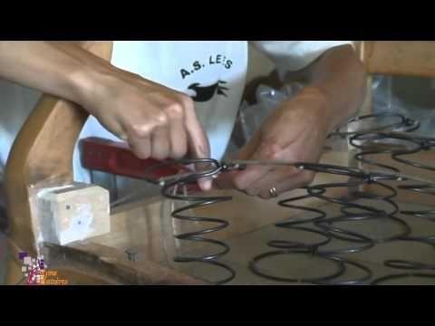 Cabriolet-Louis XV-étape-002- sanglage dans la profondeur 1/4 - YouTube