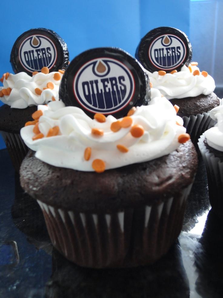 Edmonton Oilers cupcakes @Jody Boras