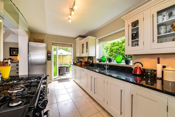Derby Road, East Sheen - 4 bedroom detached house - Barnard Marcus