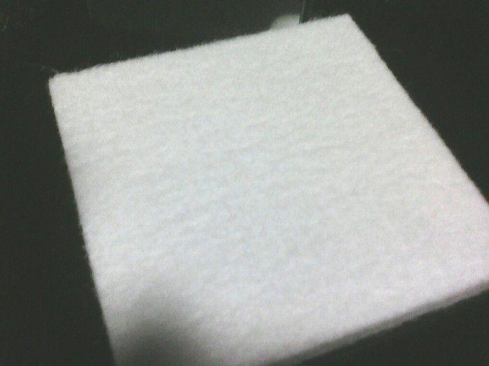 Acourete board Berfungsi meredam suara akustik pada ruangan bergema ,dimensi tebal  9 mm x 60 x 120 cm ,Cp :089640556753