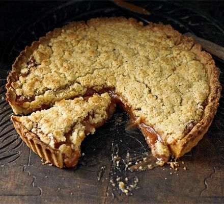 Quince crumble tart – A delicious combination of sweet, rich quince purée in an almond pastry case
