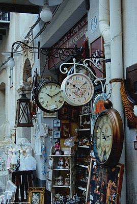 italy clocks, holy crap I love em all!