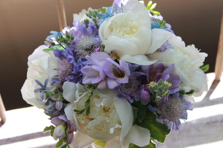 9 best purple maui wedding bouquets images on pinterest bridal bouquets wedding bouquets and. Black Bedroom Furniture Sets. Home Design Ideas