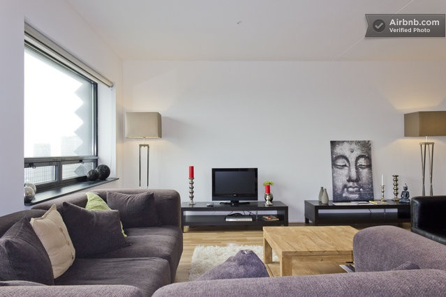 Amazing Apartment on 39th floor in The Hague, BNB he Hague Tower!