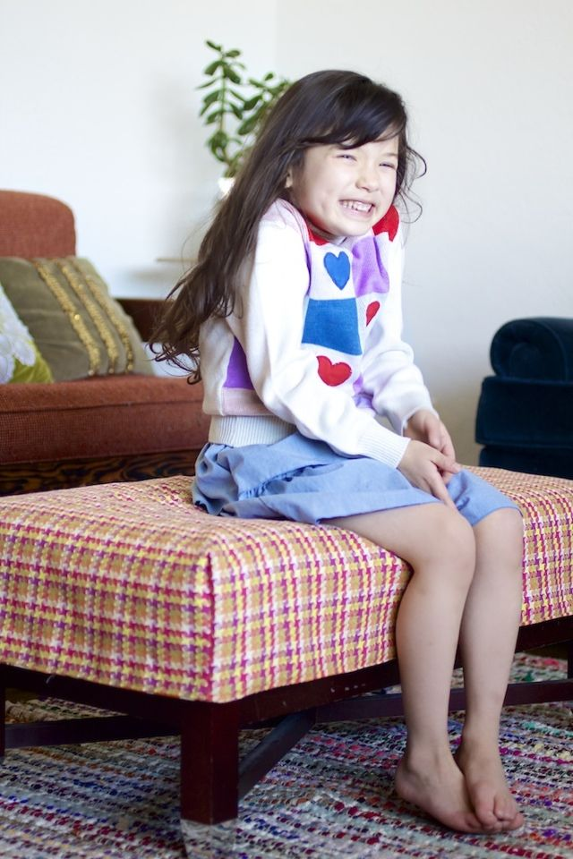 ~Ruffles And Stuff~: Simple Ottoman Cover Tutorial! (With JoAnn's and HGTV)