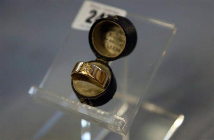immagini oggetti ritrovati nel titanic - Cerca con Google