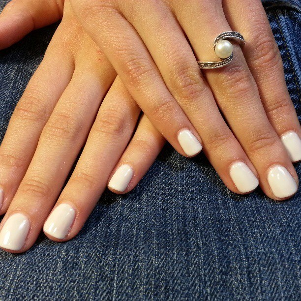 Shellac Nails in Studio White! Springs Manicures