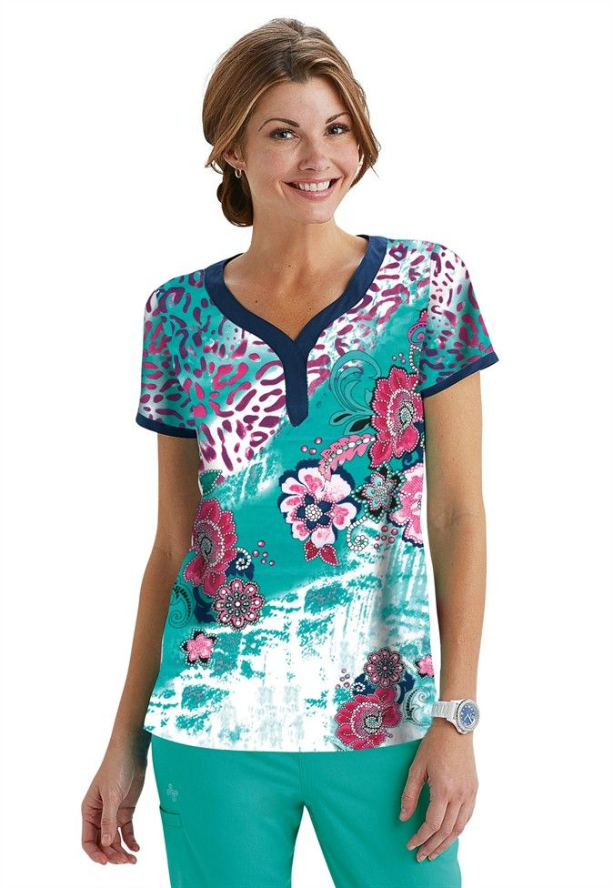 This Vivi by Peaches top in the Joy Wild and Free print is perfect for spring! | Scrubs and Beyond #spring