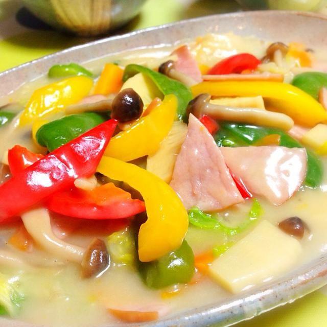 白菜、ピーマン、パプリカ、筍、 ハム、しめじ、人参。 - 41件のもぐもぐ - 中華的クリーム煮かな?( ゚ー゚) by usaG