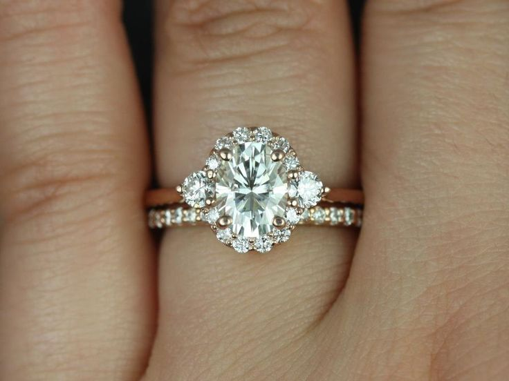 Britney 8x6mm 14kt Rose Gold Oval F1 Moissanite And