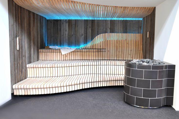 Sauna (3D) - freiform Liegefläche - Saunaofen Einfassung / Keramik / LED