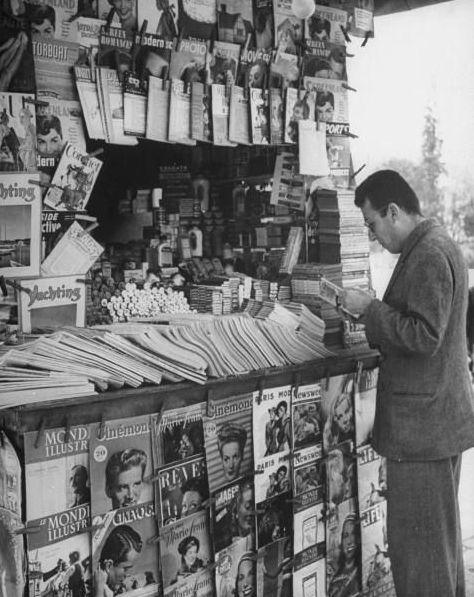 Dmitri Kessel Newspaper Stand, Athens 1948