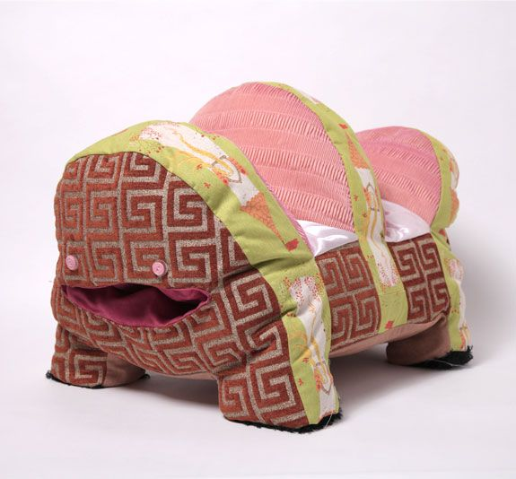 toro_575_2Couchyempire Com, Toro Couchi, Empire Cushions, Couchi Empire