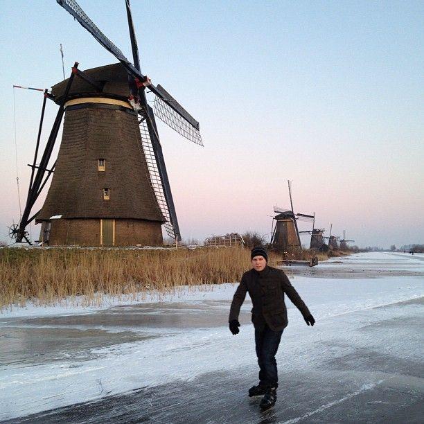 @b_denhartog Skating in front of the windmills Kinderdijk #schaatsen #molens #kinderdijk @ Kinderdijk instagr.am/p/G1VE5NO9Ph/