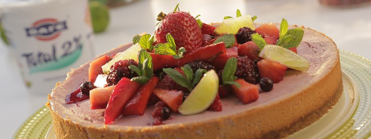 Mixed Berry Cheesecake με μέντα, λαιμ και γιαούρτι Total