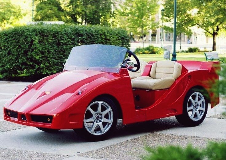 F5 – $20.500. This model is the first custom golf cart modeled after the Italian sports car.  You will be in the center of attention, especially with that eye catching Candy Apple Red color.  The $20.500 includes standard features like fiberglass body, 15-inch rims, head and tail lights, side mirrors, battery charge indicator, an hour meter and a 48 volt charging system.  Upgrades are also available, such as a hard top or plastic enclosure and an Alpine stereo, all for extra $3.000.
