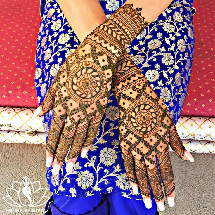 More of Gurpreet's bridal henna! Just finished a long (but awesome!) day with two sweet brides... and that only means one thing. I have lots of photos & new stories to share with you guys. Stay tuned! #chillwiththegills #hennabydivya #hennatattoo #torontohenna #torontohennaartist #torontobridalhenna #bridalmehndi #hennadesign #hennaartist #indianbrides #hennainspire #indianweddinginspiration #indianbrides #indian_wedding_inspiration #wedmegood #lashkara #mehndi #mehndidesigns #bridalmeh...