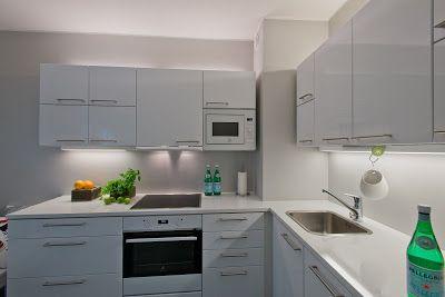 Sisustussuunnittelu Nina Mäkelä: Kerrostalon uusi valkoinen keittiö