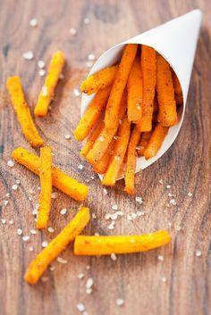Seasonal Snack Recipe: Roasted Pumpkin Fries http://12tomatoes.com/2014/09/seasonal-snack-recipe-roasted-pumpkin-fries-.html