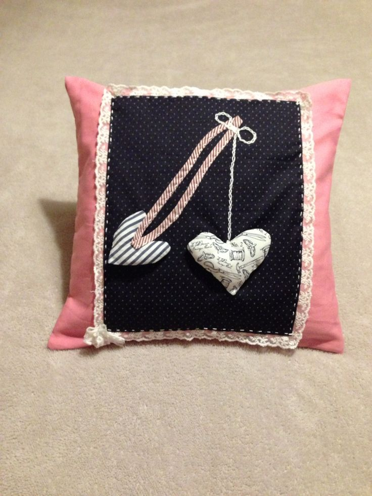 #Inatçı kalpler #kırlent #handmade #elyapımı #tasarım