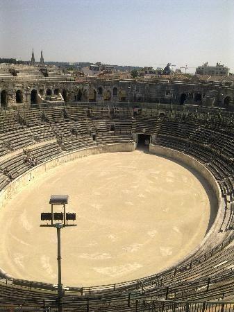 Nîmes : les Arènes