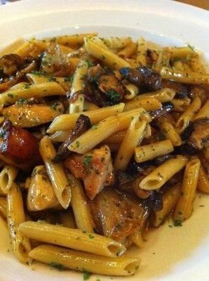 Copycat Cheesecake Factory Pasta Di Vinci,  THis recipe looks quite good, I think I would add a bit of garlic and a little fresh basil!  YUM