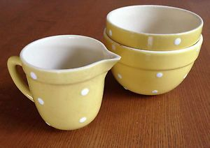 VINTAGE RETRO OLD 50s DIANA POTTERY YELLOW POLKA DOT MIXING BOWLS/JUG SET of 3