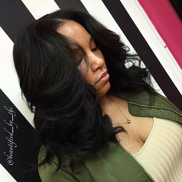 Love this messy lob install @beautified_by_thi ✂️ Simple and pretty❤️ #voiceofhair #stlstylist #bob #curls ========================== Go to VoiceOfHair.com ========================= Find hairstyles and hair tips! =========================