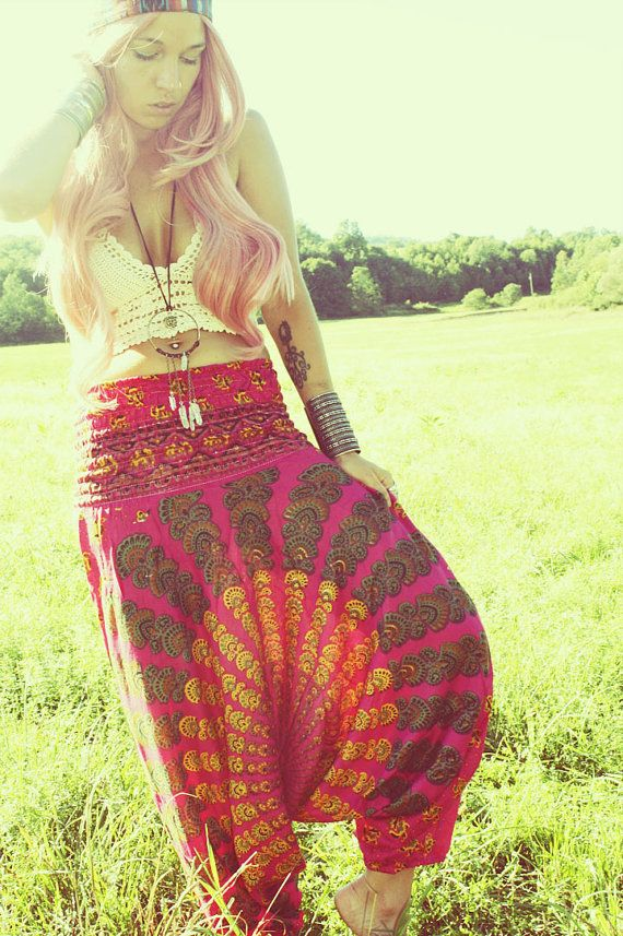 Modern hippie style pants, boho chic fashion. For the BEST Bohemian trends with a gypsy allure CLICK & FOLLOW >>> http://www.pinterest.com/happygolicky/the-best-boho-chic-fashion-bohemian-jewelry-gypsy-/
