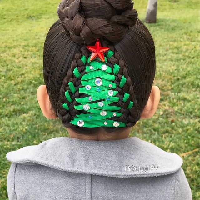 "✨""Anyone can show up when you're happy. But the ones who stay by your side when your heart falls apart, they are your friends.""✨ . Christmas tree with ribbon into a high braided bun  Only 3 days for Christmas  . #pr3ttyhairstyles #braidsforlittlegirls #abc7holiday #abc7eyewitness #christmastree #christmashair #sweetheartshairdesign #lalasundaypost #lalasupdos #cghphotofeature #updo #hairdo #braidstyles #braidideas #braidedupdo #braidedbun #hairstyle #hairinspo #hairideas #peinado #pentea..."