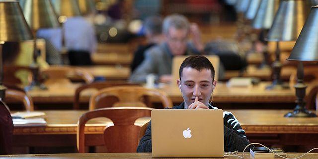 Les jeunes de la génération Y aux États-Unis seraient les plus probables à avoir visité une bibliothèque publique au cours de l'Année passée que n'importe quelle autre génération adulte…