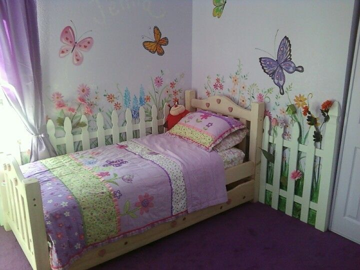 Garden theme girls room