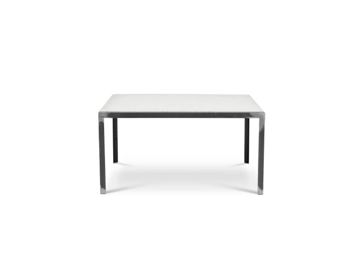 SOFFBORD 90 Soffbord i tunna, strama linjer av grova material, skapar ett spännande känsla. Betongskivan är nedsänkt i stålramen. Bordet blir en fin kombination till olika soffor. Tillhörande bänk att placera under bordet eller att möblera intill.