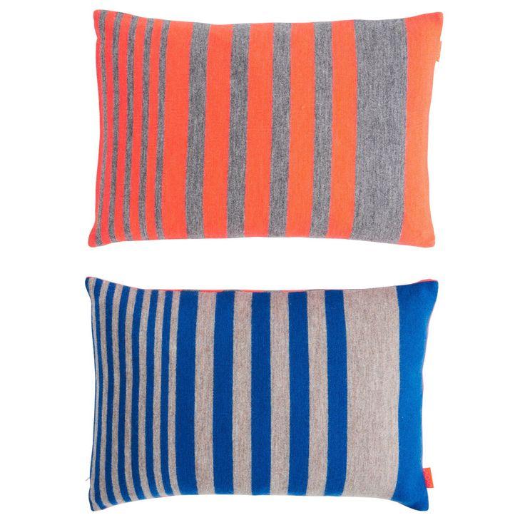 Step pute, orange/blå i gruppen Tekstil / Pledd & Pynteputer / Pynteputer hos ROOM21.no (116934)