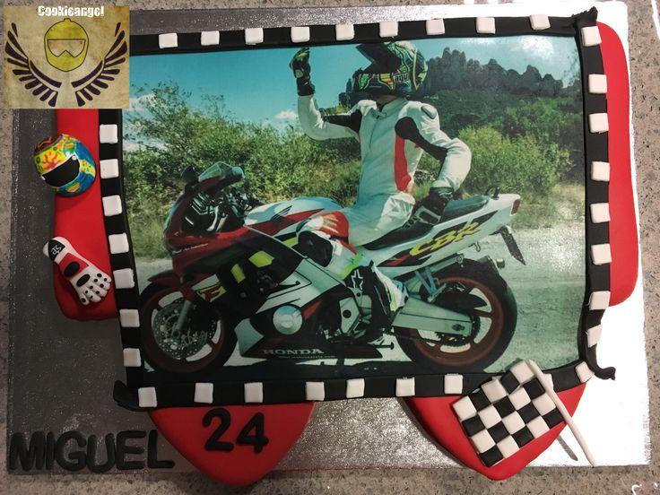 Encargo de última hora con foto en papel de azúcar #lactosefree #cake #motorcycle #love
