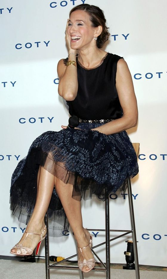 Sarah Jessica Parker Wearing A Lanvin Dress And Christian Louboutin Heels At Her Fragrance Launch in New York, 2005