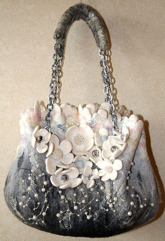 Купить серебряный бриз - авторская сумка, цветы, чёрно-белый, валяная сумка, сумка с цветами