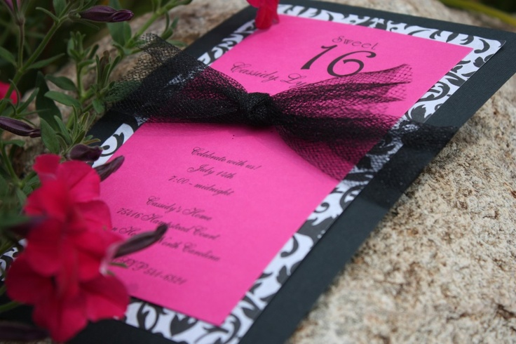 Homemade invitations...  lots of great, easy ideas!