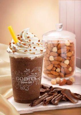 ゴディバのチョコドリンク、秋の新作「ショコリキサーミルクチョコレートナッツ」