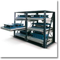 Scaffalatura industriale Fami Storage Systems modello F AR: scaffale porta stampi con portata fino a 1000 Kg atti allo stoccaggio di materiale pesante e voluminoso come macchinari industriali, profilati e stampi