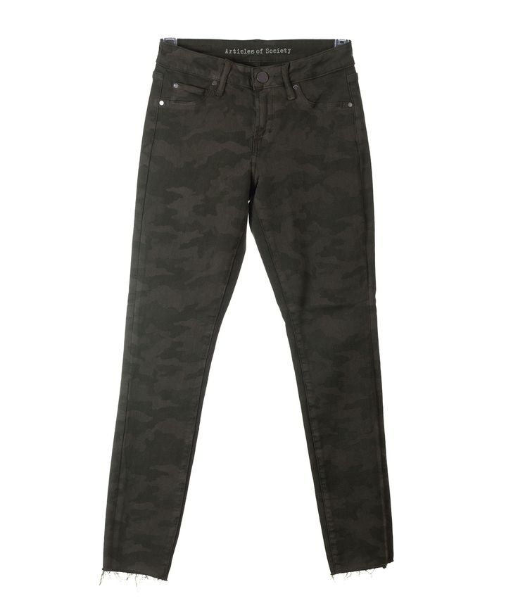 Articles of Society Womens Carly Cropped Camo Jeans
