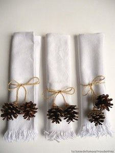 Eas DIY napkin rings for a holiday table