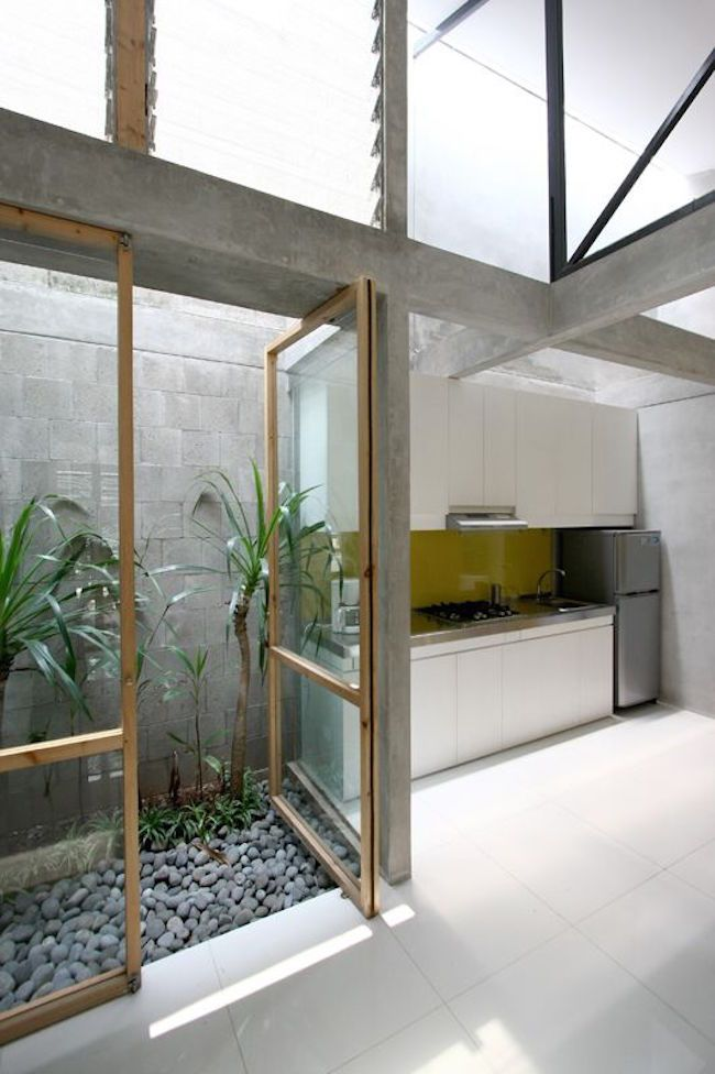 Best 25 indonesian decor ideas on pinterest balinese for Atrium garden window