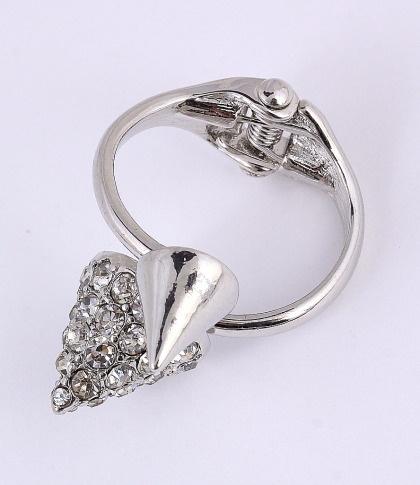 Silver Tone Ring / clear rhinestone / lead & nickel compliant      $11.25