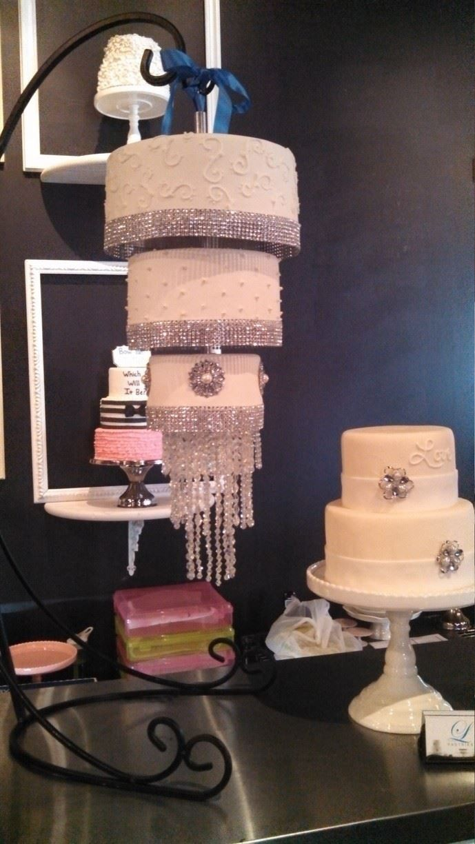 22 best hanging cakes images on Pinterest   Biscuits, Wedding cake ...