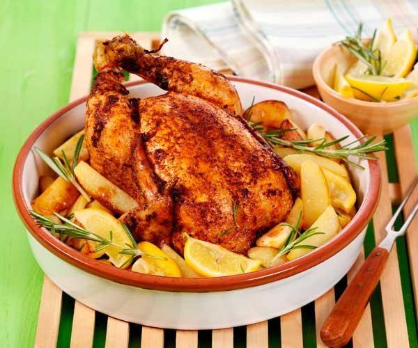 Gefülltes Hähnchen mit Kartoffeln, Zitrone und Knoblauch und 87.000 weitere Rezepte entdecken auf DasKochrezept.de